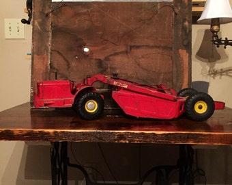 "Heil Earth Mover ""Heiliner"" vintage metal toy truck"