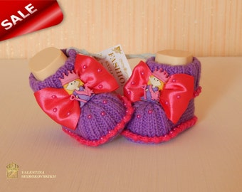 Baby girl booties.Newborn baby girl Adorable booties!Princess