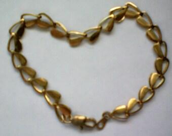 Hearts of Love Link Bracelet - 4402