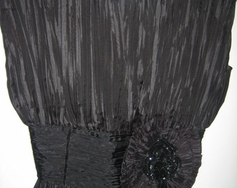 Woman's size 7-8 rare Vintage black evening special event dress