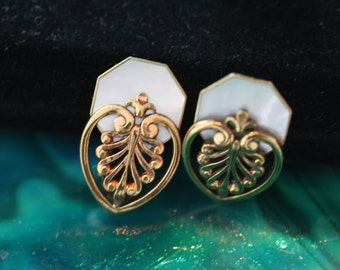 Excellent Ermani Bulatti Vintage MOP Earrings