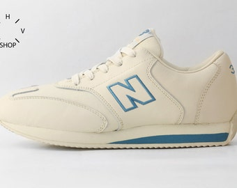NOS New Balance W320 sneakers / Vintage Running shoes / Deadstock womens trainers / Made in Wietnam 90s