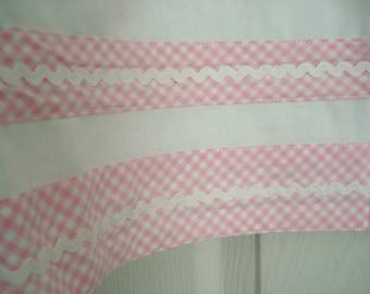 "Vintage Pottery Barn Kids Valance Pink Gingham on Ivory Rick Rack Trim  Shabby Cottage Chic 18"" x 44"""