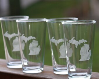 Michigan State Glassware, Michigan Gift, Beer Pint Glass, Set of 4, 2, or 1, Michigan shape, Hand Etched Glass