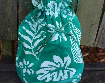 Small Lined Drawstring Project Bag for Knitting -Green/White Batik