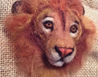 Lion brooch - needle felted animal badge - handmade wool animal brooch