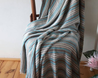 Linen Throw wit woven cotton yarn