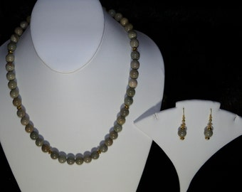 A Lovely Silver Leaf Agate Necklace/Bracelet/Anklet/Earrings. (2016156)