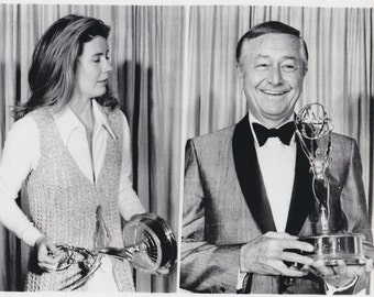 """Original Vintage photograph Patty Duke, Robert Young - """"Emmy Awards"""" - Hollywood - dated: 6/8/70 - Celebrity"""