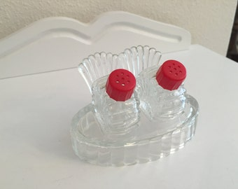 Red Top Salt and Pepper Shakers on Oval Base, 3 Piece