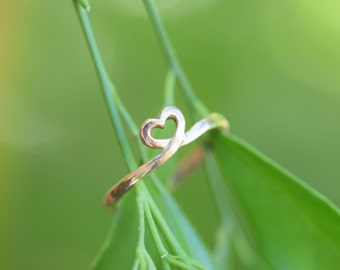 GOLD ring heart, heart wedding ring, gold heart ring, heart stacking stack ring, heart midi ring, petite heart ring, eternal heart