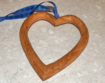 Hanging heart from recycled Oak