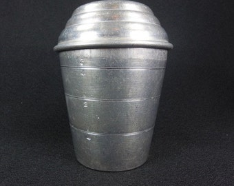 Mirro One Cup Measure Covered Aluminum Shaker 2623 M Vintage Kitchen Measuring Utensil Made in USA Free Shipping