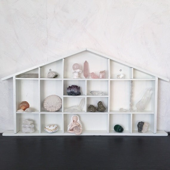 Shelf for wall crystals altar ornaments decor for Altar wall decoration