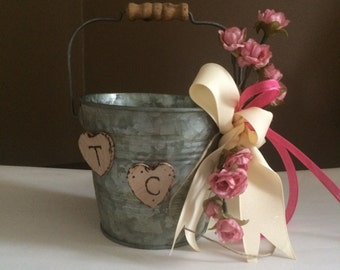 Rustic flower Girl basket, Flowergirl Pail Metal Burlap Baskets, Shabby Chic Weddings, Rustic, Shabby Chic Weddings, Flower Girl