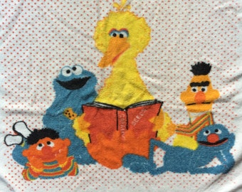 Vintage 1970s Sesame Street Hand Towel. Big Bird Reading to Bert/Ernie/Cookie Monster/Grover