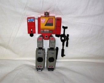 vintage 1984 hasbro transformers g1 autobot blaster action figure