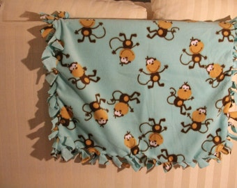 Monkey No-Sew Fleece Baby Blanket
