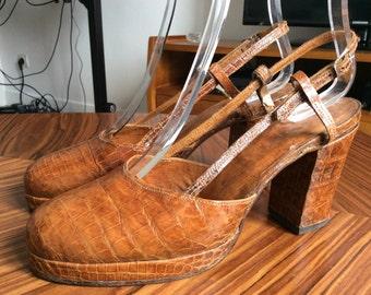 Vintage 1940s platform sandals croco