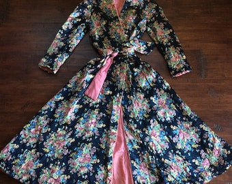 Gorgeous Vintage Quilted Satin House Coat