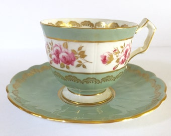 Beautiful Aynsely Tea cup and Saucer Floral Pattern Made in England