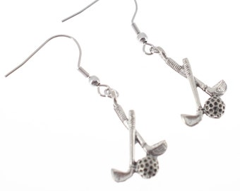 Golf club earrings in antique plated pewter.  Golf earrings.  Golf gifts.  Golf women.  Golf jewelry.