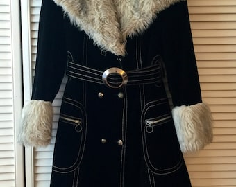 Vintage 70's Coat with Faux Fur Collar