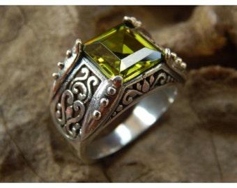 Silver rings Peridot Stone Box