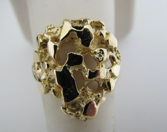 Pretty Gold Nugget Ring in 14k Yellow Gold