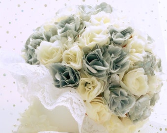 Grey and white bouquet, bridesmaid bouquet, silver and white silk roses, bridal bouquet, winter wedding, silk flower bouquet, fabric flowers