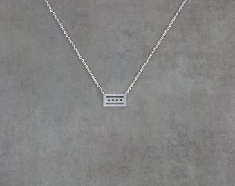 Chicago City Flag [SILVER] Plated Necklace Fort Dearborn Illinois State USA Stars Stripes United States