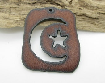 Moon and Star Rusty Iron Pendant, Southwestern Pendant, 50x40mm  (1)