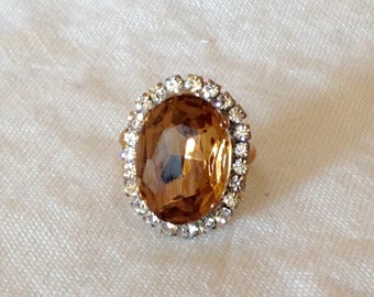 Beautiful Vintage smoked topaz   rhinestone ring