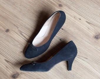 Bernice shoes   vintage 50s shoes   black suede 1950s pumps   I Miller   vintage black pumps   1940s / 1950s black heels   sz. 9