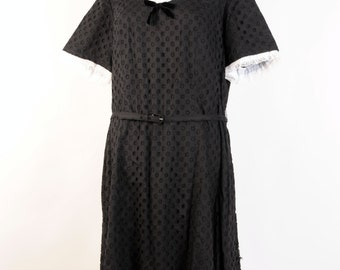 1950s /50s /1940s Vintage Black Cotton Eyelet Lace  dress XL // XXL size 20 1/2