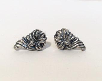 50s Jewelry / Vintage 1950s Floral Earrings Screw Back Earrings Vintage Silver Earrings Flower Earrings