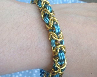 Blue and Gold Byzantine Chainmaille Bracelet