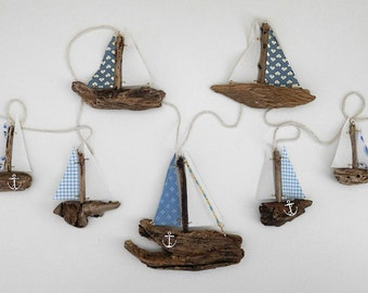 Blue Print and Calico Driftwood Boat Garland     Approx: 200cm