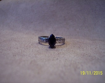 Deep Blue Saphire Sterling Silver ring.
