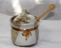 Beautiful Handmade Honey Pot with a Honey Spoon