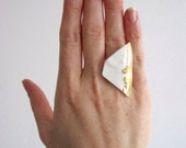 Vintage Style- Broken China Ring- Ceramic Jewellery- Porcelain Ring- Gold& White- Gold Ring- Statement Ring- Handmade Unique Ring- Vintage