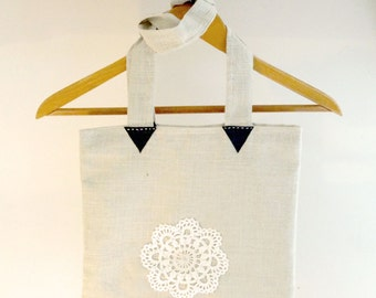 Tote Bag hand made with crochet piece. Milie