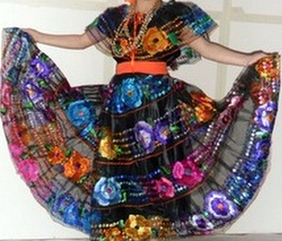 Chiapas Womens Folklorico Traditional Dance Fiesta Suit