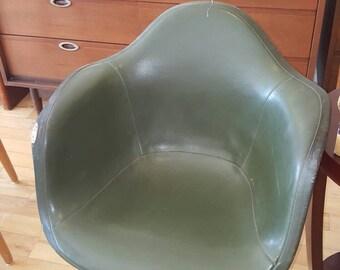 4 Herman Miller fiberglass shell chairs