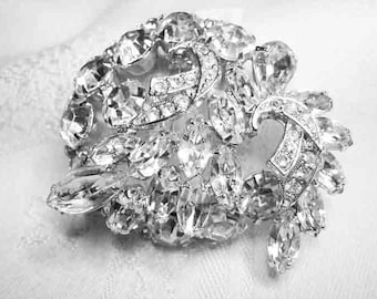 Vintage WEISS Large Clear Rhinestone Brooch Prong Set