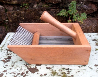 Rare French berry picker, rustic primitive blueberry picking tool