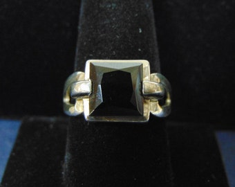 Womens Vintage Estate .925 Sterling Silver Ring With Black Onyx ? 6.3g E2418