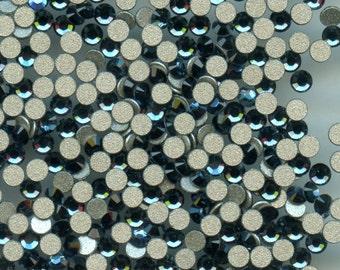 2028 PP19 M*** 40 Swarovski rhinestones flat back SS16(3,9mm)montana