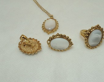 Vintage Faux Mother Of Pearl Pendant, Earrings, and Ring set.5J-352.*FREE SHIPPING*