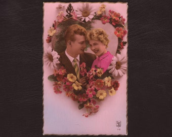 Romantic couple in a flower heart, French postcard - Hand tinted, Valentines day, rppc, unused, antique greeting card - ca 1945 (V12-35)